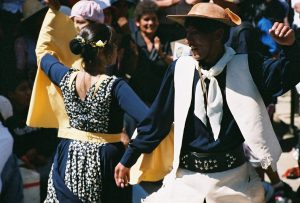 Photo illustrant les danses et le folklore en Bolivie, avec Lifetime Projects