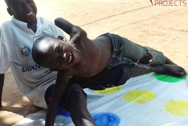 photo illustrant la mission humanitaire pour l'enfance dans un orphelinat au Cameroun, avec Lifetime Projects