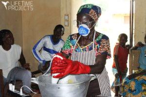 """Photo illustrant la mission humanitaire au Cameroun de Lifetime Projects : """"Savonnerie artisanale Savons d'Atta"""""""