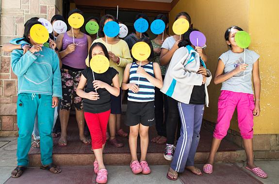 """LifeTime Projects : illustration de la mission """"Art-thérapie en orphelinat en Bolivie"""""""