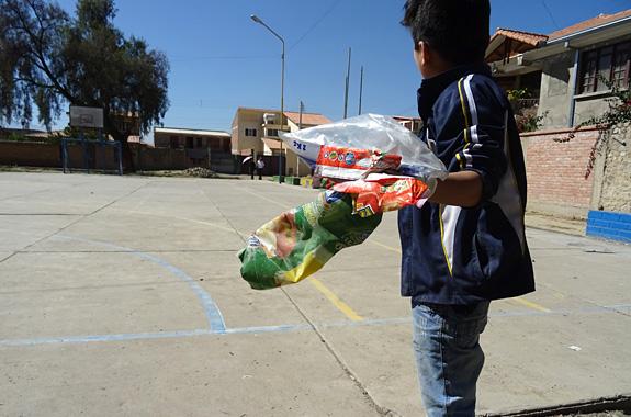 """LifeTime Projects : illustration de la mission """"Éducation à l'éco-citoyenneté en orphelinat en Bolivie"""""""