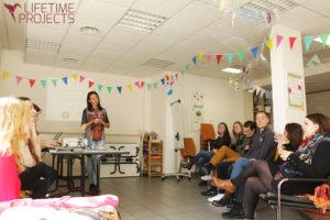 """Photo illustrant l'article """"Campagne de dons Impuls'Her project : les bénévoles au travail"""", avec Lifetime Projects"""