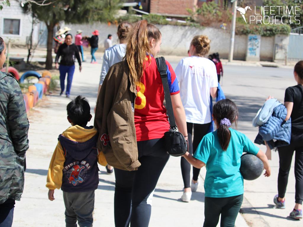 Photo du témoignage de Laly, en mission en orphelinat en Bolivie avec LifeTime Projects