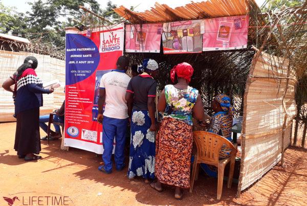 Photo de la caravane de santé au Cameroun, avec Lifetime Projects