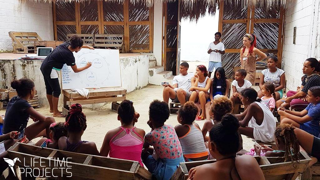 Revalorisation des déchets plastiques en Colombie avec le projet Precious Plastic et LifeTime Project
