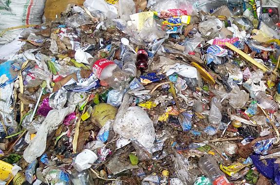 Photo du projet Precious Plastic en Colombie, avec Lifetime Projects