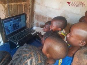 Photo du programme de soutien aux orphelinats au Cameroun, avec LifeTime Projects